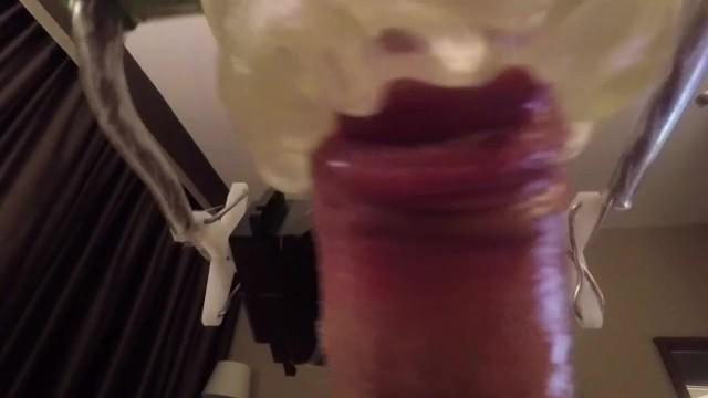 Műpuncit dugott meg ezen a videón ezen a meleg srác
