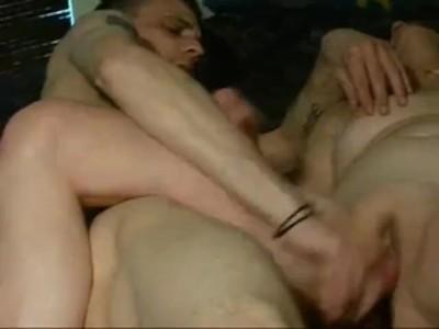 Két gay srác és egy molett feleség biszex videója