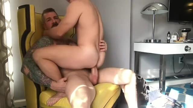Padre fa sesso con il ragazzo tedesco